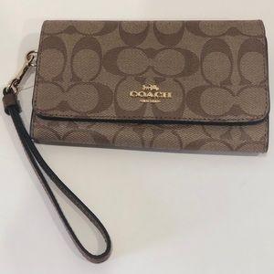 NWT COACH Phone Wallet Wristlet Signature C Khaki